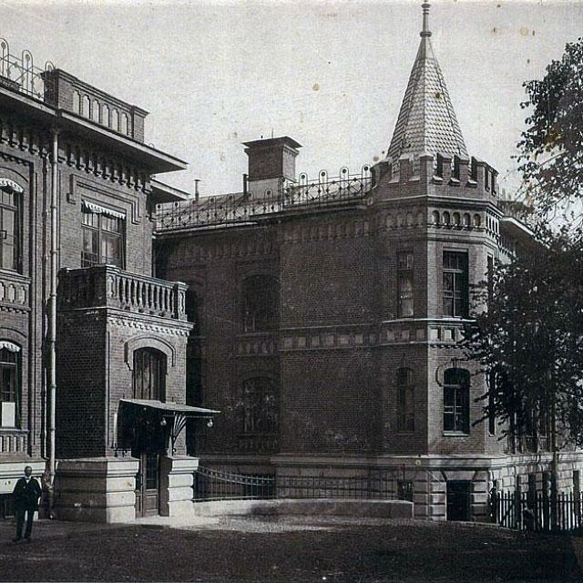 Корпуса старинной Евангелической больницы по адресу: улица Воронцово поле, 14, где разместился Институт